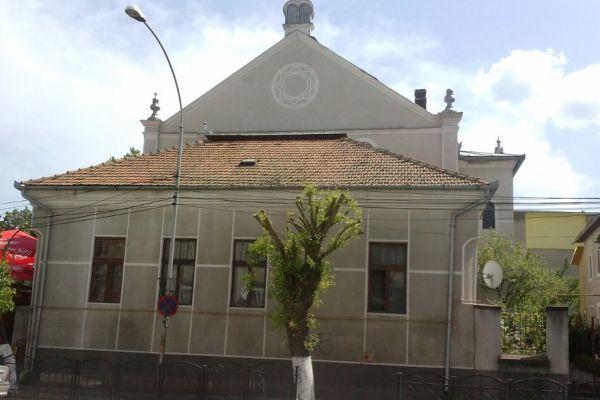 sinagoga-devaCB92E711-DD64-818B-FAB4-7E69125DD311.jpg