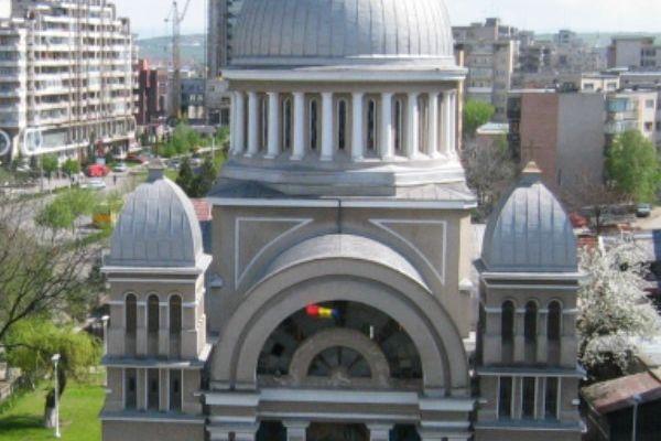 biserica-ortodoxa-buna-vestire-11AD9E1C4-FC44-8A01-0EED-311D68C07BBD.jpg