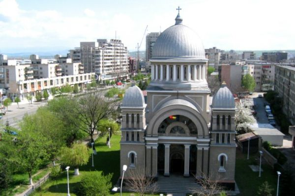 biserica-ortodoxa-buna-vestire-8BE0037E2-EEF7-9E5F-4EDA-543A86E68A3E.jpg